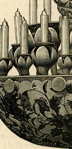 przedstawiająca dekoracyjny żyrandol z manufaktury majoliki artystycznej w Nieborowie.