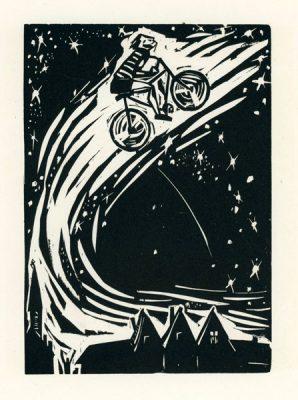 Rycina wykonana techniką drzeworytu przez Jerzego Bandurę (1915 - 1987). Grafika przedstawia kolarza jadącego ku niebu.