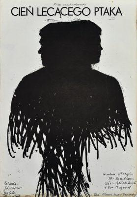 """Plakat filmowy do czechosłowackiego filmu """"Cień lecącego ptaka"""". Reżyseria: Jaroslav Balik. Projekt plakatu: JACEK NEUGEBAUER"""